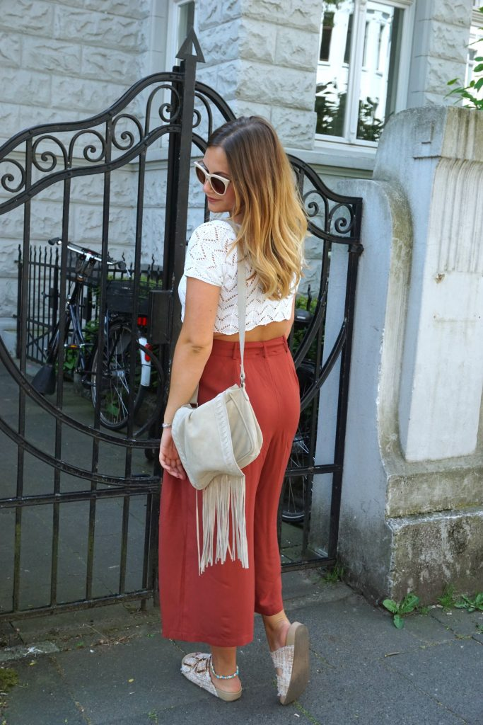 blogger-fashion-for-ffranzy-culotte-justfab-spitzentop-streetstyle-outfitpost