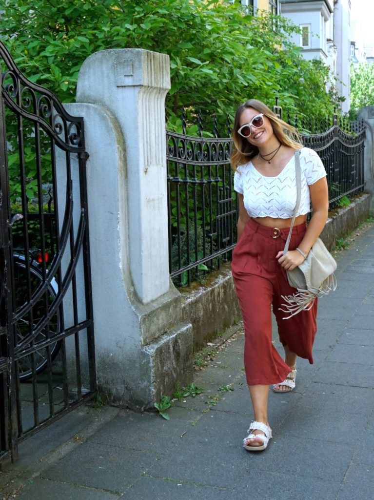 walk-fashion-for-ffranzy-culotte-justfab-spitzentop-streetstyle-outfitpost