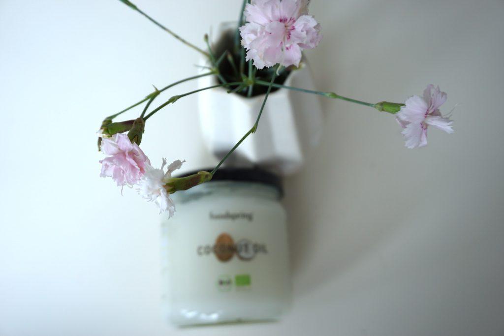kokosöl-tipps-wirkung-beauty-essen-foodspring