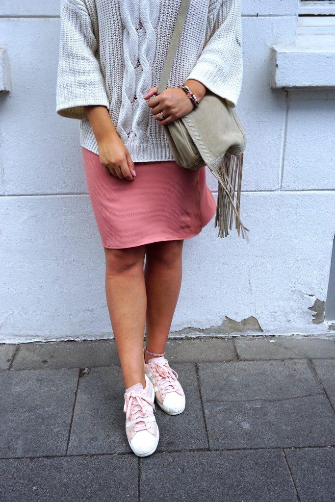 details-pullover-rosa-kleid-fashionblogger-köln-ffranzy-fashionforffranzy