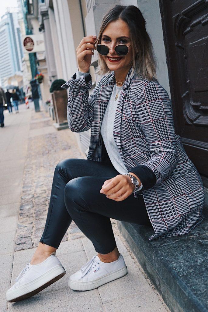 fashion-for-ffranzy-fashionforffranzy-herbstlook-karierter-blazer-lederhose-herbstlook-modeblogger-koeln-cologne-lifestyleblogger