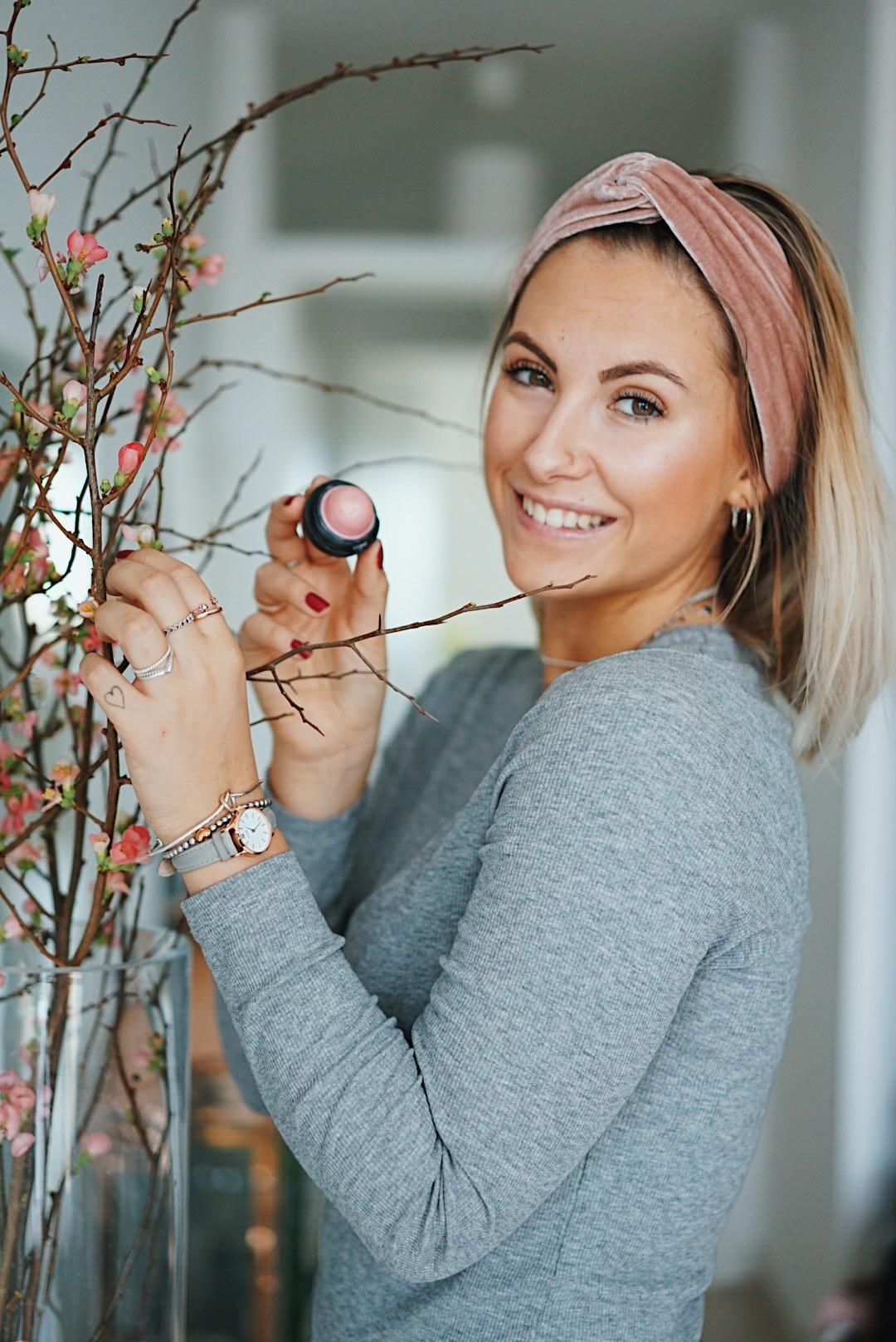 ffranzy-fashionforffranzy-auffrischen-to-go-eos-lipbalm-beauty-beautyblogger