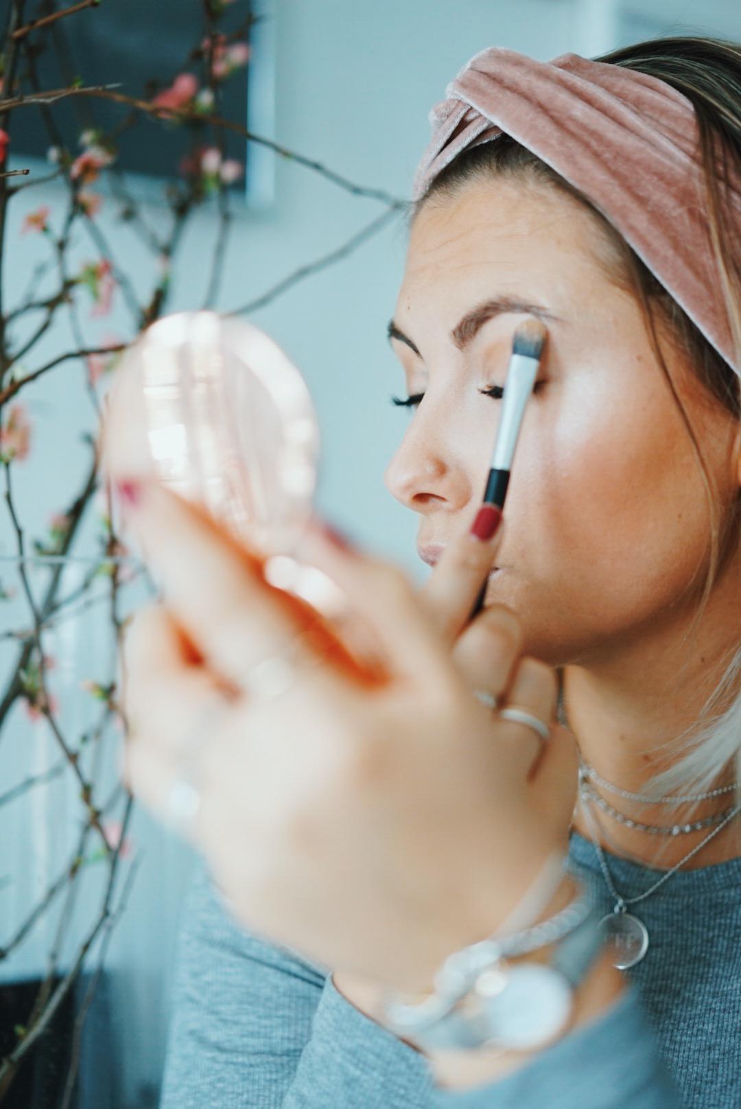 eos-shimmer-beauty-auffrischen-to-go-highlighter-fashion-for-ffranzy-beautyblogger-koeln