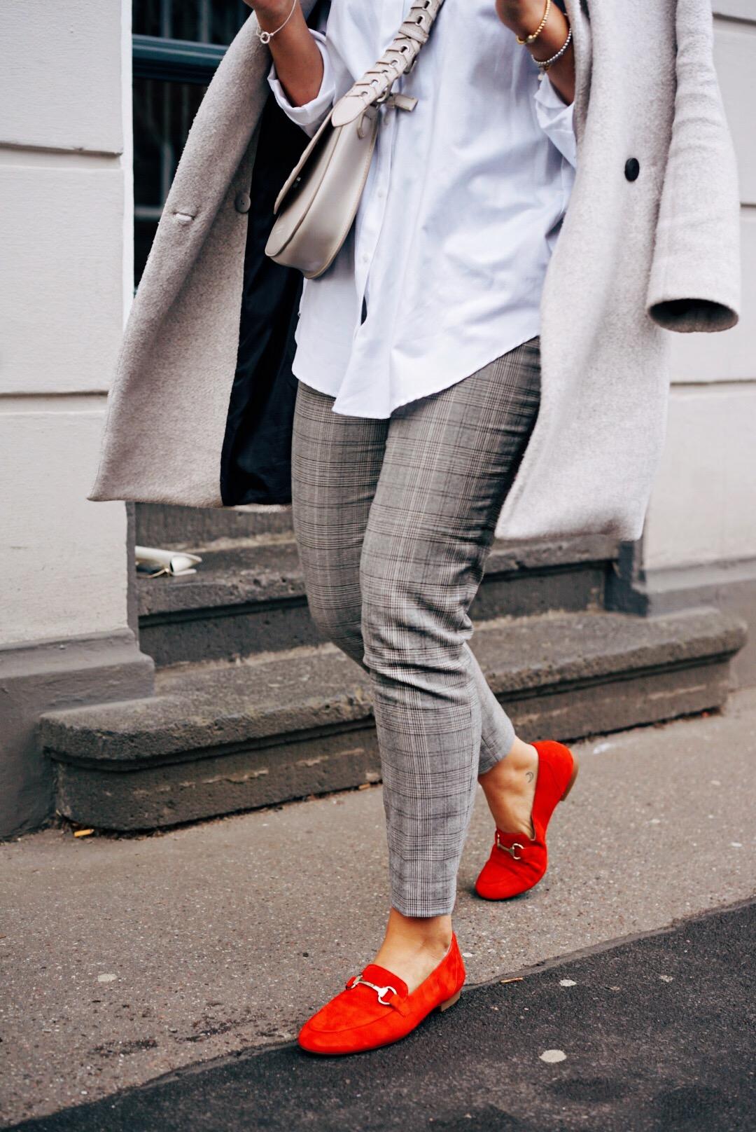fashionforffranzy-fashion-outfit-post-inspiration-für-die-arbeit-Schuhe-de-ffranzy-business-look-hingucker
