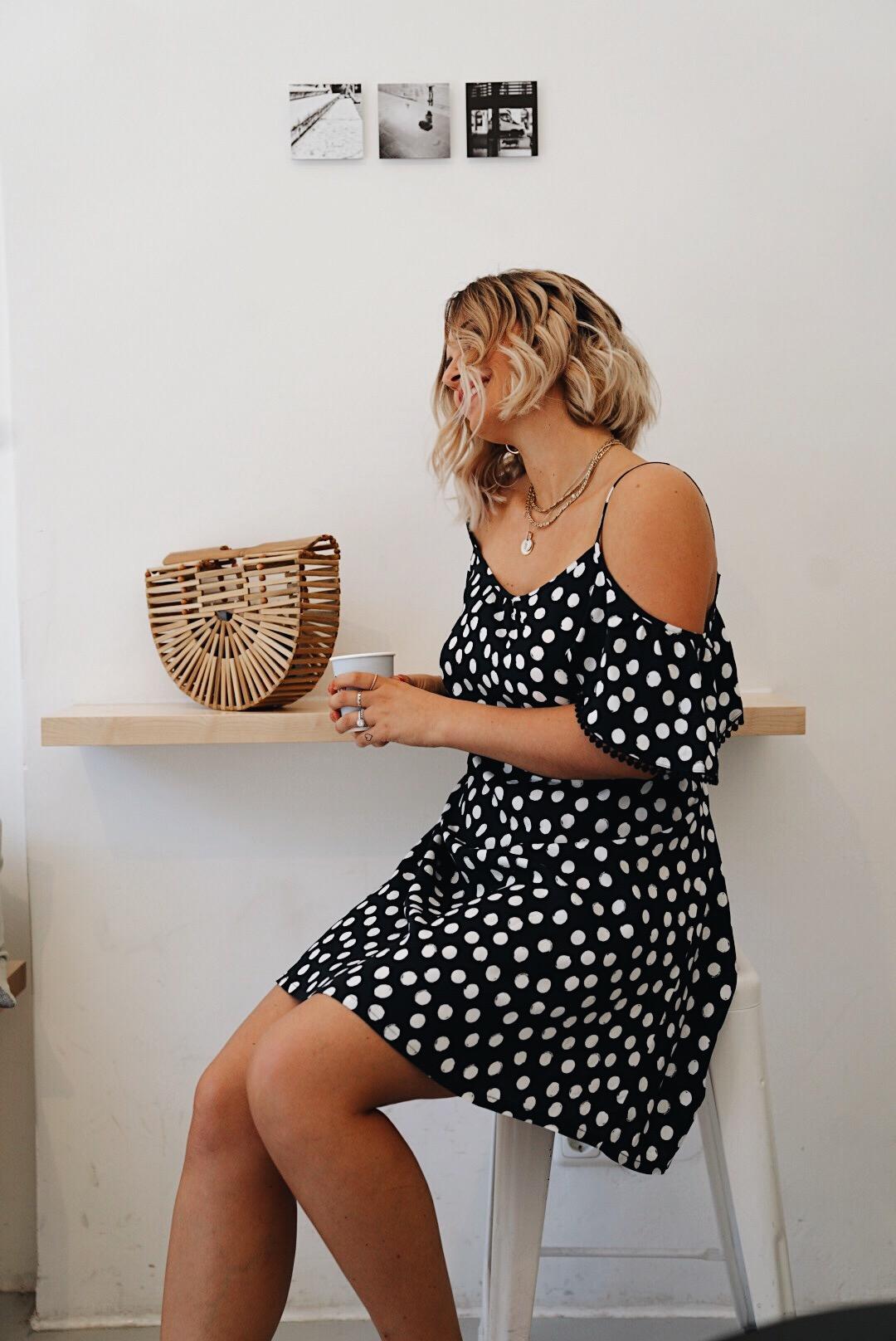 fashion: sommertrend polka dots kleid in schwarz weiß